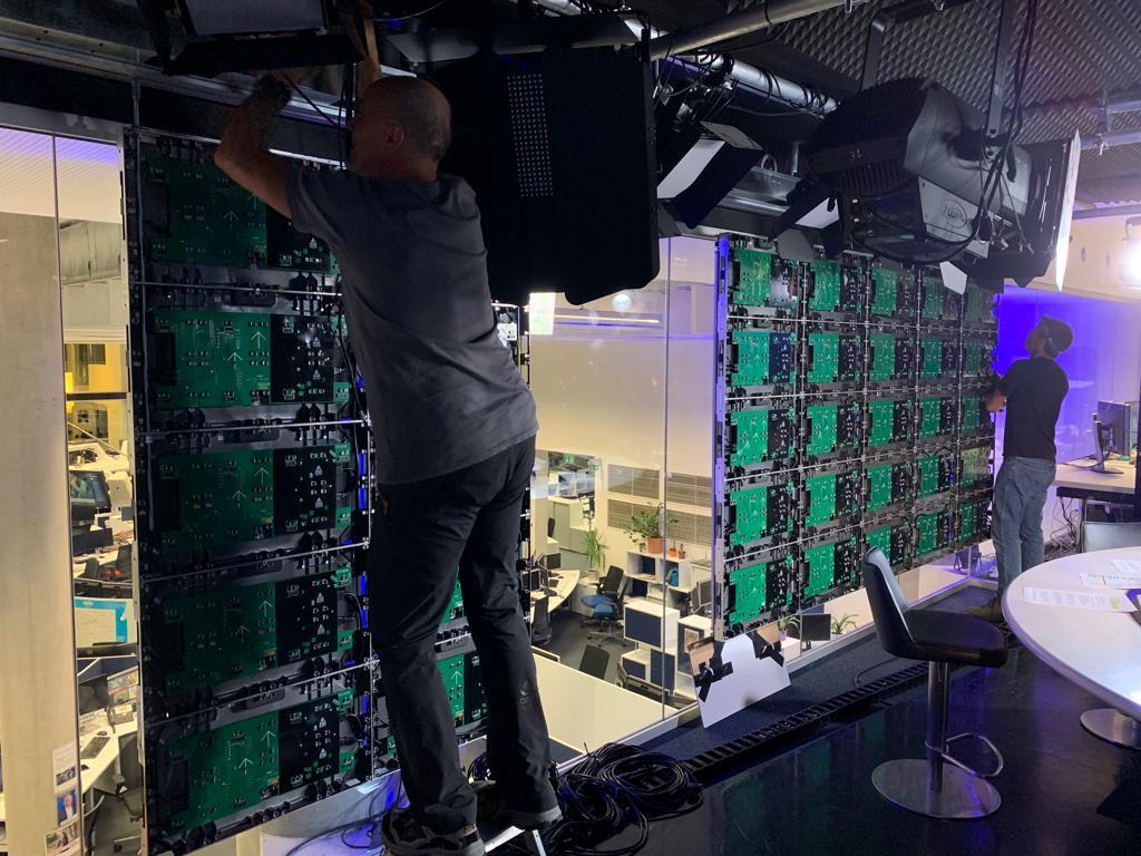 Erste teilbare LED Wand für OE24TV