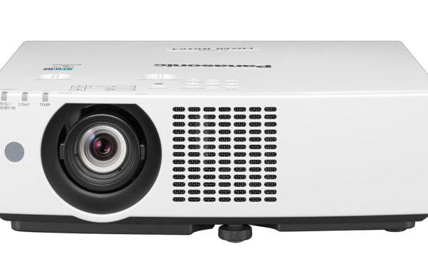 Panasonic PT-VMZ60EJ 16:10 Full HD WUXGA LCD-Beamer